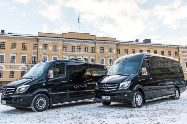 VIP-pikkubussit